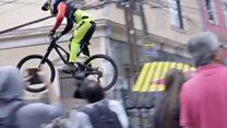 На велосипеде по узким улочкам со скоростью 60 км/ч