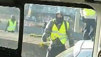 'Yellow-vests' pelt police van