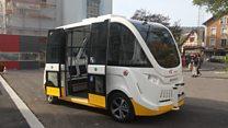 Sem motorista e 100% elétrico: o 'ônibus do futuro' que está sendo testado em cidade da Suíça