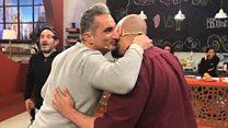 """إكسترا التلفزيوني: باسم يوسف و""""السحسح"""" في مواجهة غذائية"""