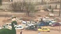 अतिवृष्टीमुळे इराणमध्ये गाड्यांचा महापूर
