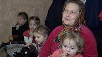 Як живе сім'я, в якій народилися 19 дітей?