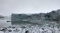 بالفيديو: سائحون يفرون من انهيار جليدي