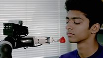 Robot can feed people with disabilities