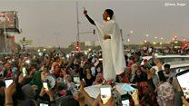 La icónica imagen que se ha convertido en símbolo de las protestas contra el gobierno en Sudán