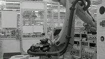مصنع المستقبل: روبوتات تصنع روبوتات!