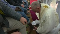 از پاشویی پاپ تا زنجیرزنی بعضی پیروانش
