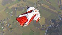 كيف اخترعت سترات القفز المظلي الحر؟
