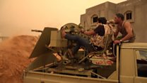 "A Tripoli, Haftar perçu comme un ""Kadhafi en puissance"""