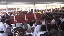 श्रीलंका स्फोटः मृत्यूमुखी पडलेल्यांचा सामूहिक दफनविधी, उपस्थितांवर शोककळा