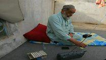 مردی 30 سال است اخبار رادیو بی بی سی را ضبط می کند