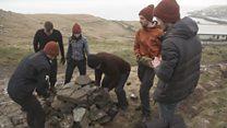 گردشگرانی که داوطلبانه به محیط زیست کمک میکنند