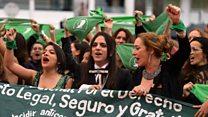 La marcha de pañuelos verdes en pro del aborto que inundó la alfombra roja de Cannes