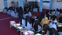 پاکستان حکومت د مدرسو کنترول ترلاسه کوي