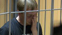 """""""Позор"""", аплодисменты, слезы: как арестовывали Ивана Голунова"""