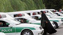 برخورد جنجالی پلیس تهران با دختری که آب بازی میکرد