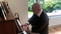 Dementia no bar to piano man's online hit
