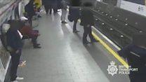 'Um desconhecido tentou me matar no metrô de Londres'
