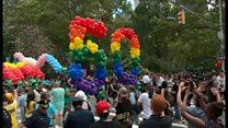 ニューヨークの「プライド」行進に15万人 性的少数者の「誇り」主張