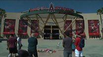 Baseball fans pay tribute to Tyler Skaggs