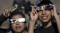 Así se vio el espectacular eclipse solar total que oscureció partes de Argentina y Chile