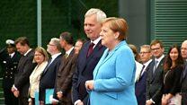 Almanya Başbakanı Merkel 3. kez titreme nöbeti geçirdi
