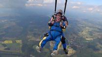 100-летний парашютист хочет стать самым старым в мире