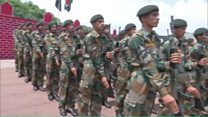 कश्मीर में मारे गए सैनिक औरंगज़ेब के भाई भारतीय सेना में शामिल