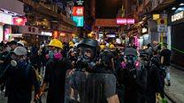香港尖沙咀示威现场:快闪示威变警民对峙
