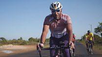 حجاج يركبون دراجاتهم من كينيا إلى مكة