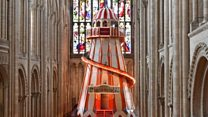 El impresionante tobogán construido dentro de una catedral gótica en Inglaterra