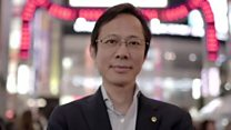 东京红灯区走出的华裔政治家
