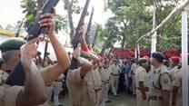 बिहार पुलिस की बंदूकें राजकीय सम्मान के वक्त पड़ी बंद