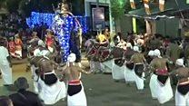 お祭りでゾウが暴れ17人負傷、スリランカ