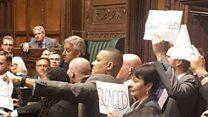 イギリス議会、5週間の閉会 「恥を知れ!」と議員ら抗議