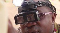 Au Bénin, ce médecin qui sauve la vue