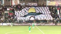 أول فريق مغربي يلعب مباراة في الضفة الغربية: هل هو تضامن أم تطبيع؟