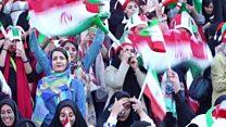 Perempuan Iran bebas tonton bola di stadion: 'Ini seharusnya terjadi lebih cepat'