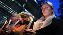 英国华人愤怒中悼念集装箱惨案死者