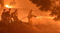 Wildfire rages in Los Angeles