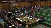 Early election bill passes Commons hurdle