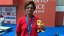كيف فازت مصرية في السبعين بميدالية عالمية للسباحة؟