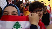 """أم طفل مصاب بالتوحد """"تثور"""" في لبنان"""