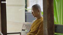 随时随地冥想的泰国僧人