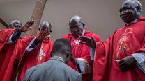 Muri Uganda, abasenyeri Katolika basaba abapolisi gukorana ubuntu