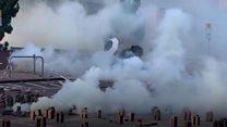 عنف بين الشرطة ومحتجين بجامعة في هونغ كونغ
