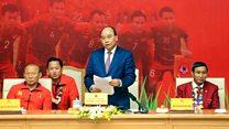 Thủ tướng Phúc: 'Bóng đá là môn thể thao vua'