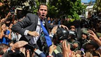 Guaidó storms parliament to be sworn in as Speaker