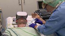 Sem estresse: os óculos que ajudam pacientes a mergulhar 'em outro mundo' durante cirurgias