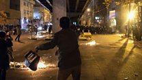 Người biểu tình Iran trút giận lên chính phủ